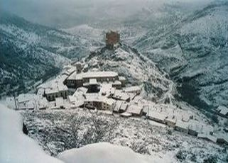 Escapada a la nieve, en Alcalá de La Selva, Teruel.