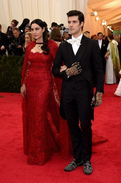 "Monica Bellucci and Roberto Bolle Photos Photos - Monica Bellucci (L) and Roberto Bolle attend the ""Charles James: Beyond Fashion"" Costume Institute Gala at the Metropolitan Museum of Art on May 5, 2014 in New York City. - Red Carpet Arrivals at the Met Gala — Part 3"