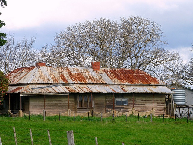 Old Australian Farm House    En-route from Creswick to Daylesford