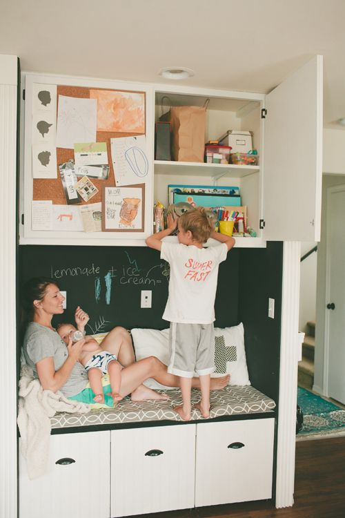 storage bench in kitchen - Living With Kids: Rae FriisKidsplay Jonesdesigncompani, Cozy Nooks, Nooks Kidsplay, Corks Boards, Crafts Offices, Kitchens Nooks, Rae Friis, Jones Design Company, Offices Supplies