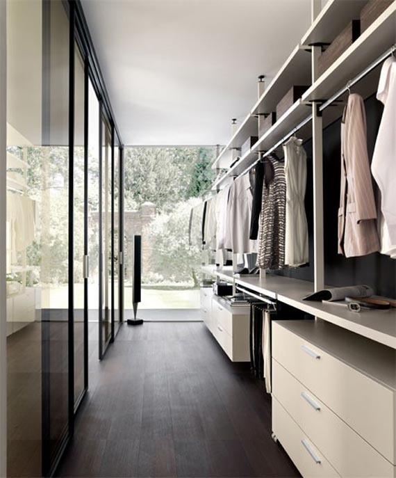 Walk In Closet para espacios grandes y rectangulares. #IdeasenOrden #closets #decoracion