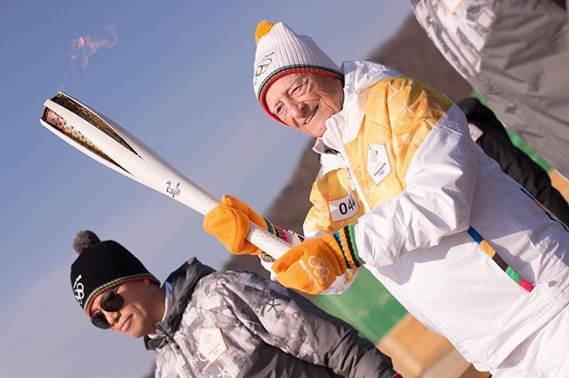 I was extremely lucky to be able to see South Korea and Canada celebrate their friendship by sharing the #Olympic torch in #Paju on Friday.   The #Imjinclassic honored Canadian vets who participated in the war efforts and also participated in the #CanadianArmedForces hockey games in 1952.   It was so nice to see two countries I have such a deep connection with highlight their friendship and showcase a bit of history.   #korea #canada…