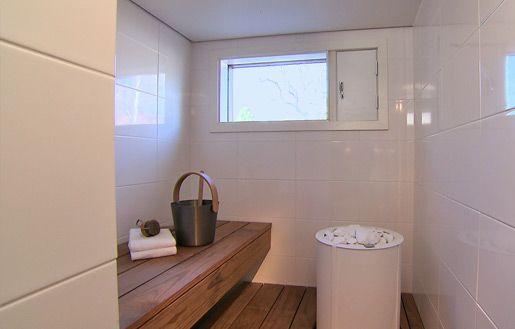 This beautiful sauna with a Tulikivi Sumu saunaheater was presented on MTV3 programme Tyylivarkaat.