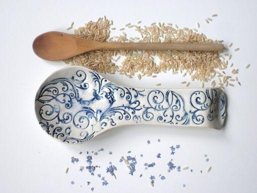 Podstawka ceramiczna pod łyżkę.  Kliknij w zdjęcie, aby zobaczyć więcej!