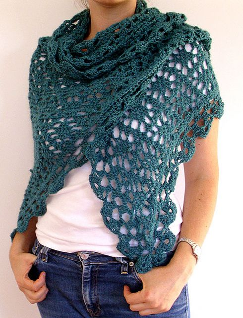Beautiful crochet shawl! Love the larger yarn used. pattern link on sidebar of photo-graph