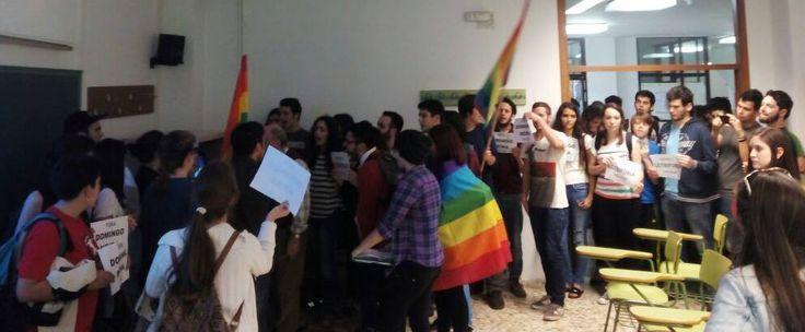 Estudiantes en prisión por manifestar contra homofobia