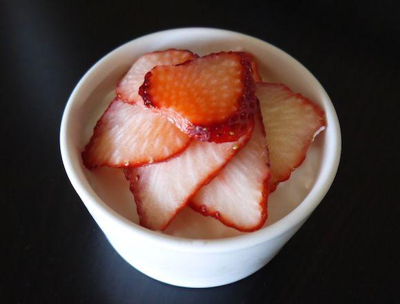 【めちゃ簡単レシピ】お肌の調子も良くなる!? 材料3つで作るおしゃかわスイーツ「ヨーグルトバニラムース」だよ!
