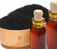 MAROC ÊTRE - Black Seed Oil  MarocÊtre Organic #Black #Seed #Oil is obtained by cold pressing the small seeds of Nigella Sativa flower.  Black Seed Oil is rich in phytosterols like stigmasterol (antioxidant) and ß sitosterol that helps hair growth.  An excellent remedy for dry, #sensitive and #irriteted #skin when used with other carrier oils. Have a regeneratin and nourishing action.