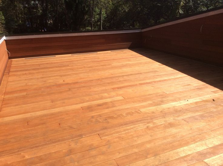 ShadowDeck with air vents floating deck