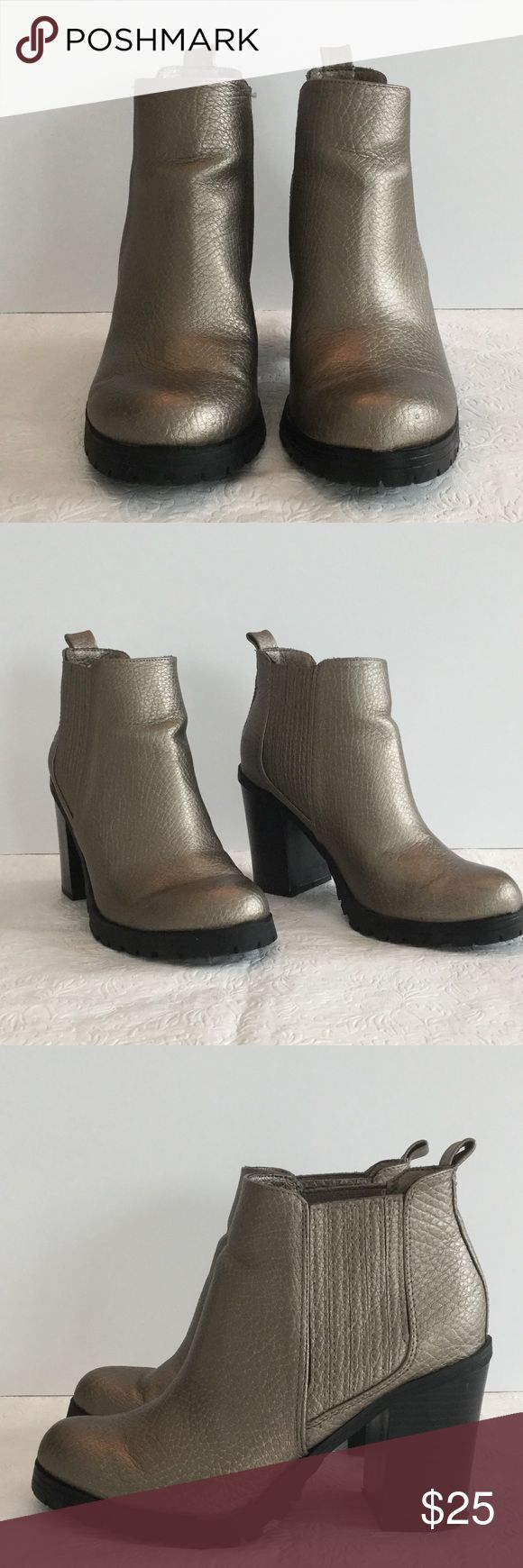 Metallic ankle boots Sam & Libby boots. Gently worn and in great shape. A couple of small scratches on the heel. Sam & Libby Shoes Ankle Boots & Booties