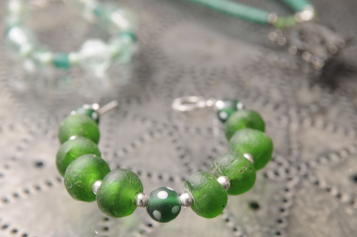 Bracelet made with recycled green glass beads from Africa. By Tinky. https://www.facebook.com/TinkySonntag