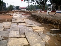 Local archaelogists have announced the discovery of a 14th century stone pathway at the southern gate of Ho Dynasty Citadel, a World Heritage Site in the central province of Thanh Hoa.