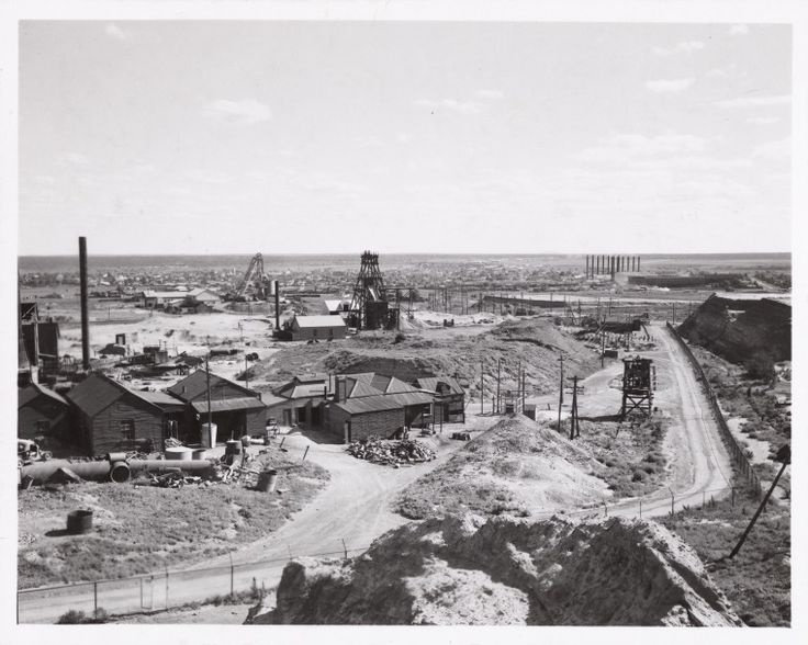 816B/C/2072: Elevated view of the Golden Mile, with the Kalgoorlie township in the background, 1948. https://encore.slwa.wa.gov.au/iii/encore/record/C__Rb1855494
