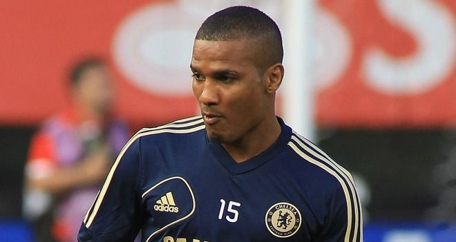 Florent Malouda and Paulo Ferreira are among the high-profile players who will leave Chelsea this summer.France winger Malouda and Portugal full-back Ferreira will not be retained when their contracts are up at the end of the month.And the list of departures also includes Yossi Benayoun and goalkee