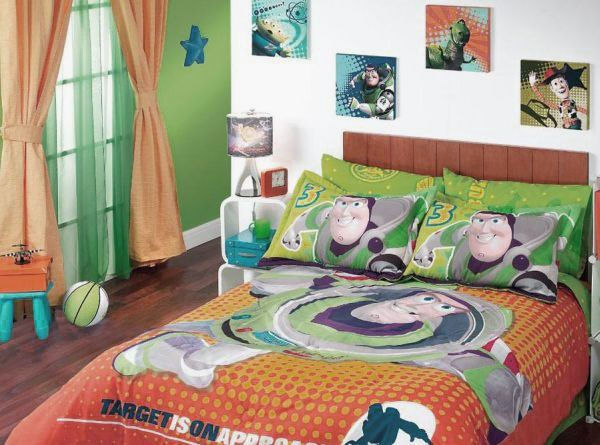 Superhero bedding for children   Superheroes Bedding for Kids Room Decor  Images  Buzz Toy Story. Best 25  Toy story toddler bed ideas on Pinterest   Toy story