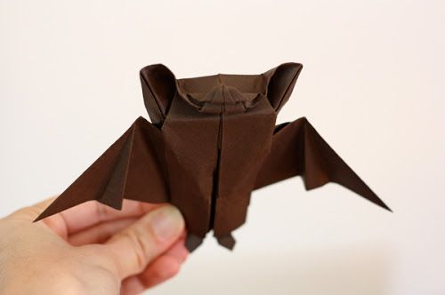 Origami bat Halloween decoration at How About Orange
