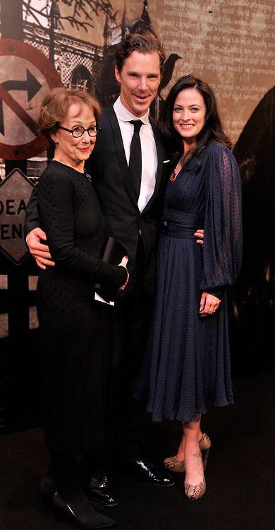 Una Stubbs, Benedict Cumberbatch, and Lara Pulver