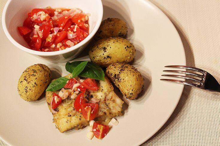 Treska s čerstvou rajčatovou salsou   Filé je milé - Powered by @ultimaterecipe