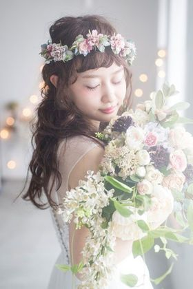 【人気№1】花冠の花嫁画像まとめ1500枚以上【新婦の髪型(ヘアスタイル)】 - NAVER まとめ