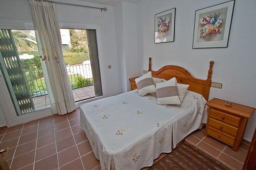Summer House in the Centre of the City   Accommodation in Costa Brava, Spain Casa de verano en el centro   Alquileres en la Costa Brava