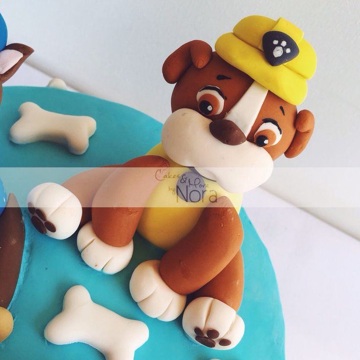 Rubble, Paw Patrol cake topper | Cakes and More by Nora