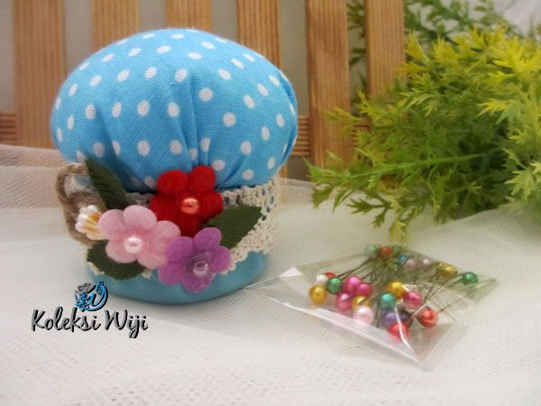 http://koleksiwiji.com/product/blue-mushroom-pincushion    Blue Mushroom Pincushion Size : Diameter jar 6 cm Colours : Polka biru Materials : cotton fabrics, dakron and beads     bantal jarum, jarum pentul, koleksiwiji, pincushion, tuspin jar -  - #BantalJarum, #JarumPentul, #Koleksiwiji, #Pincushion, #TuspinJar -