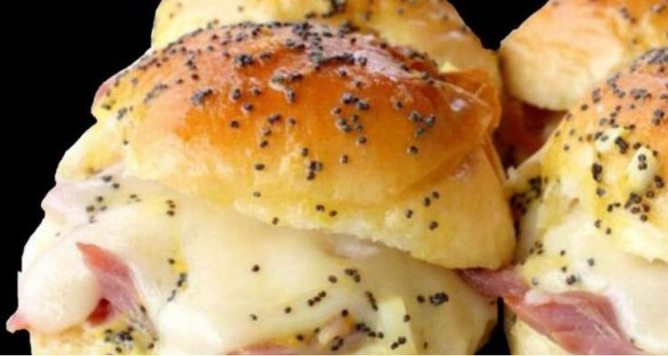 These Hawaiian Ham Roll Sliders Are Perfect For A Picnic!