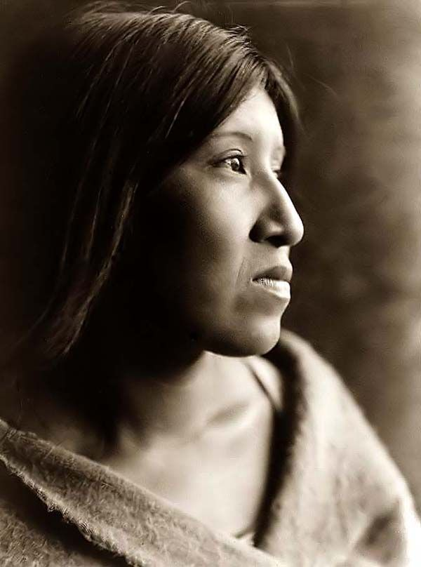 :::::::::: Vintage Photograph :::::::::  Young Native American woman, 1924