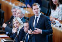 "Paul Magnette: l'Europe doit ""repenser en profondeur"" sa politique commerciale                                                                                 Montréal - Le ministre-président de la Wallonie Paul Magnette a appe... http://lexpansion.lexpress.fr/actualites/1/actualite-economique/paul-magnette-l-europe-doit-repenser-en-profondeur-sa-politique-commerciale_1914405.html Check..."