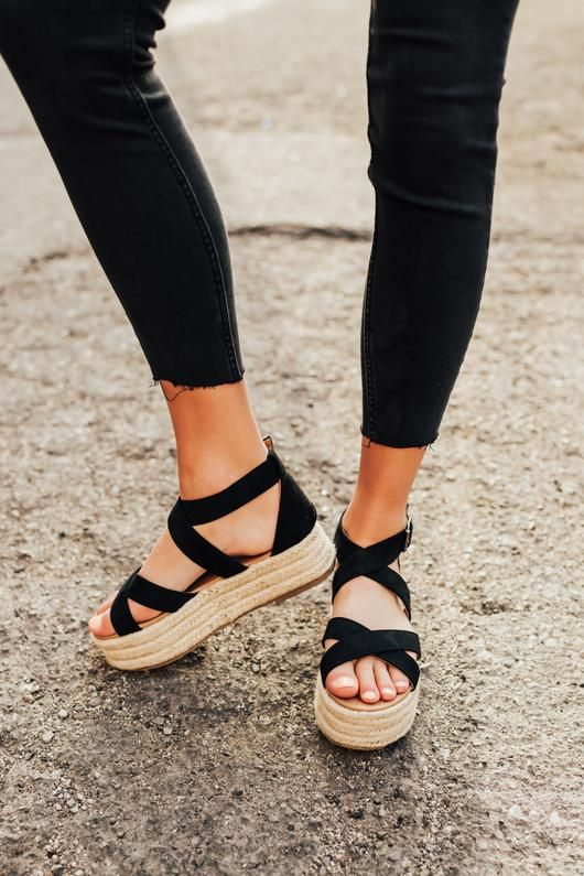 Fatima Esapdrille Sandals in Black