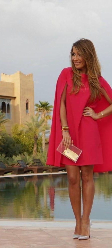 De Nochevieja a lo Superwoman: vestidos con capa que molan