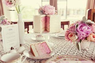 Single Tier Cakes / Wedding Style Inspiration / LANE