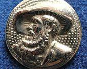 Bouton métal Vintage, Andreas Hofer, une image de profil, patriote autrichien, mena une rébellion contre Napoléon. C1930.