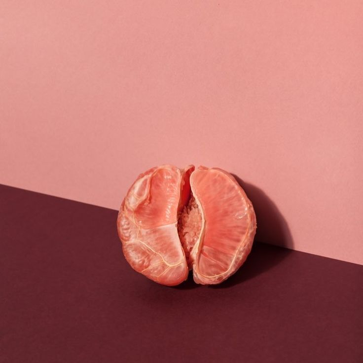 "1,655 Likes, 24 Comments - THINX (@shethinx) on Instagram: ""Put our clocks forward and dreaming of #grapefruitweather ⏰😴"""