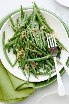 Spicy Garlic Green Beans from http://www.whatsgabycooking.com (@whatsgabycookin)