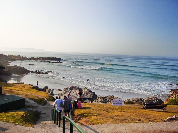 The legendary cliff path in Hermanus offers a 12 km long viewing platform promising some of the best whale watching on the planet.