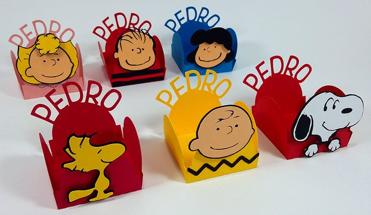 A turma do Snoopy e do Charlie Brown veio deixar a sua festinha ainda mais linda com esta forminhas para doces personalizadas. Forminhas Snoopy. Festa Snoopy.