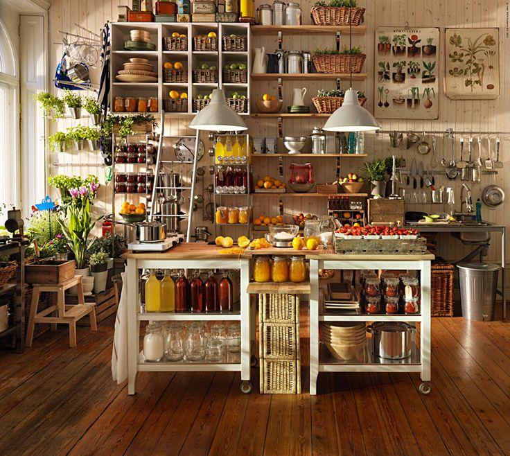 <p>Var tredje svensk har bakning och matlagning som stort fritidsintresse. Det visarvår undersökning av svenska folkets intressen.Fler och fler uppskattar det handgjorda och hemlagade.</p>
