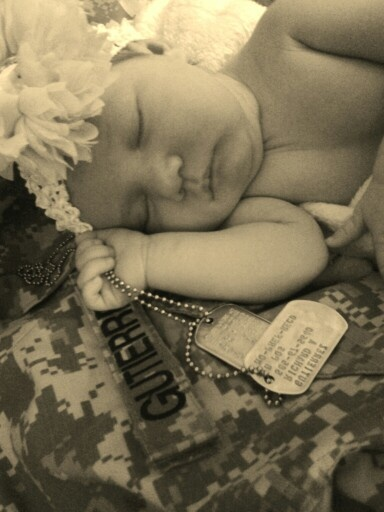 Army baby girl....this right here..this is my next goal picture. Hopefully I can get this when he comes back down..