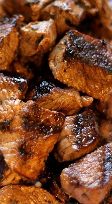 Mediterranean Beef Tips - Sirloin tips seasoned with garlic, lemon and oregano. Recipe for a tangy Tzatziki dip included. ❊
