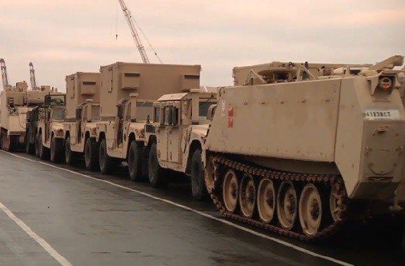 """Кремль в полном """"ауте"""": Немецкий порт заполонили танки и техника США для Европы (ВИДЕО) http://proua.com.ua/?p=70021"""