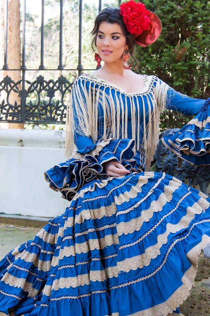 ▶️ Traje de flamenca canastero beige y azul 💟 Diseño exclusivo de Viviana Iorio ▶️ Colección 2015, Sevilla, España 💌 info@vivianaioriotrajesdeflamenca.com
