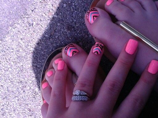 Toes to match. So happy with my nail shops work :) -k