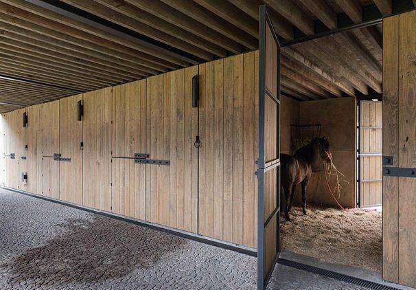 Equestrian Centre in Valle de Bravo, Mexico by CC Arquitectos - Szukaj w Google
