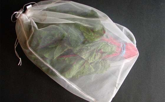 A great DIY Reuse-Me Produce Bag - I need these, so I don't come home with a bazillion little PolyBags