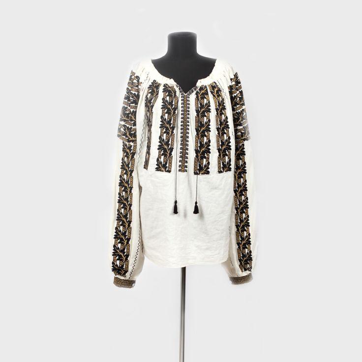 Romanian blouse from Muscel  Ie de preoteasă, de Muscel - Piesa este o interpretare modernă de vestimentaţie feminină - bluză/ie, obţinută prin transferul broderiei tradiţionale de la o ie de Muscel (din prima jumătate a secolului XX).