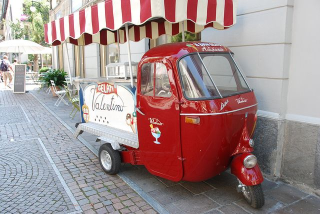 Tirano - Piaggio Ape Three Wheel Ice Cream Van Via Della Republica by Le Monde1, via Flickr