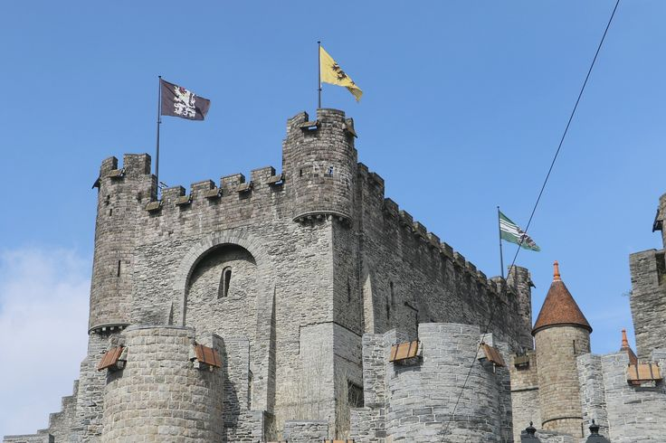http://www.podcastdove.com/2016/05/08/a-taste-of-ghent-belgium #visitgent gent ghent belgium europe travel visit weekend tourism castle of the counts