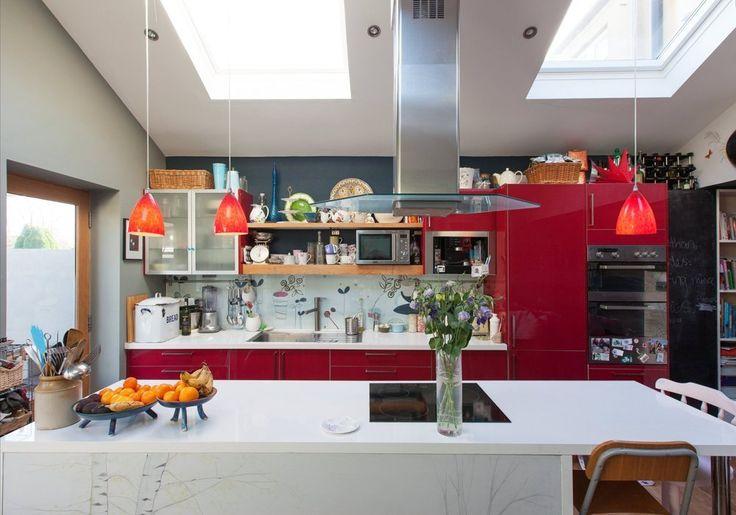 : cozinha vermelha, flores, e muitos detalhes para copiar