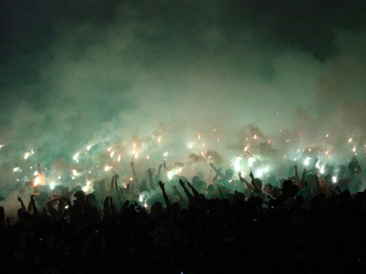 A Little Green Hell, Guarani's Ultras of Campinas-SP-Brazil  /  Pirotecnia del Hinchas del Guarani FC - Brasil